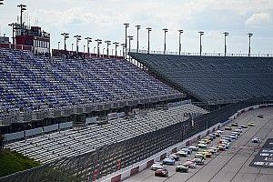 Гонкам NASCAR угрожает кое-что похуже пандемии. Сильный дождь