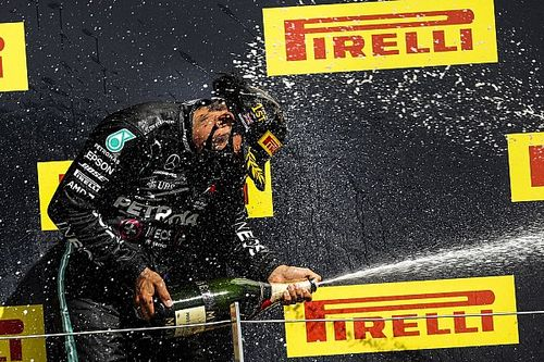 RETA FINAL: Sorte de Hamilton, azar de Verstappen e crise da Ferrari com Gianluca Petecof e Pipo Derani
