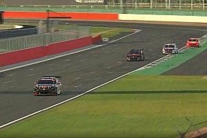 Podiumplaats voor Verstappen in Supercars Eseries Silverstone