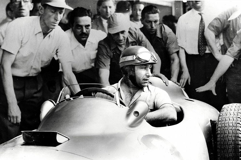 Победителю Гран При Мексики вручат шлем Фанхио
