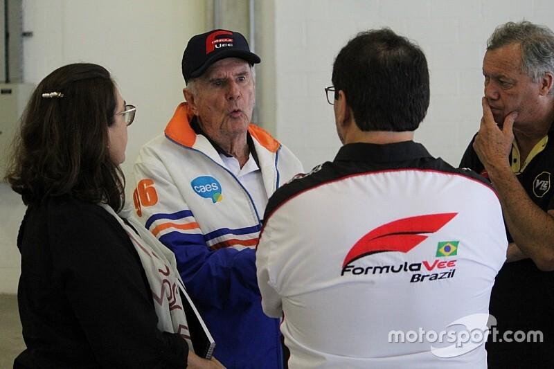 Após boa recuperação de cirurgia, Wilson Fittipaldi recebe alta de hospital