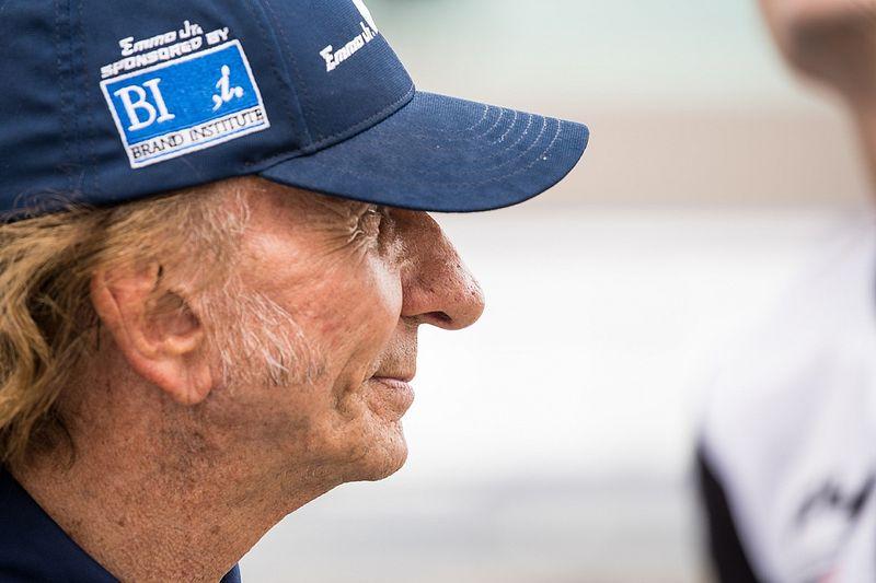 VÍDEO: Emerson Fittipaldi vê Emmo ser tirado de corrida e discute com pai de japonesa