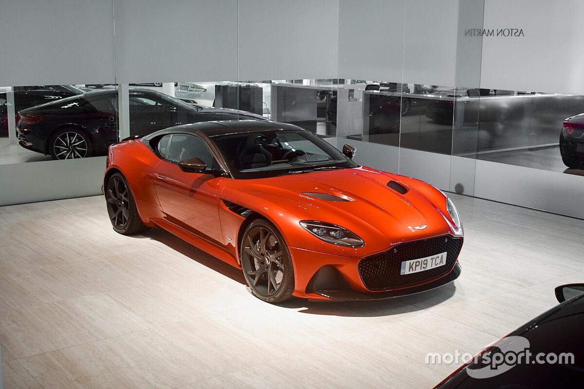 Aston Martin gooit DBS Superleggera van Verstappen in de verkoop
