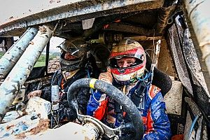 Barrichello supera condições desafiadoras e termina em 13º na estreia no Sertões