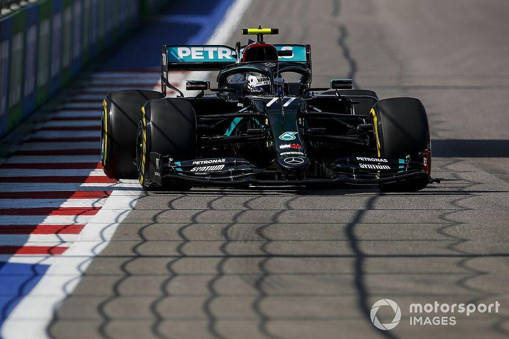 Bottas bovenaan in eerste training GP Rusland, Verstappen derde