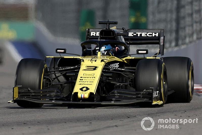 """Ricciardo: """"Renault kendine güvenmeli"""""""