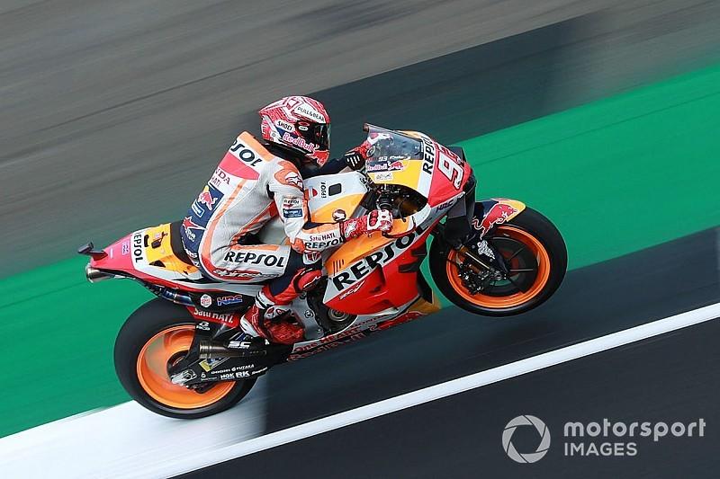 Marquez in pole davanti a Rossi a Silverstone