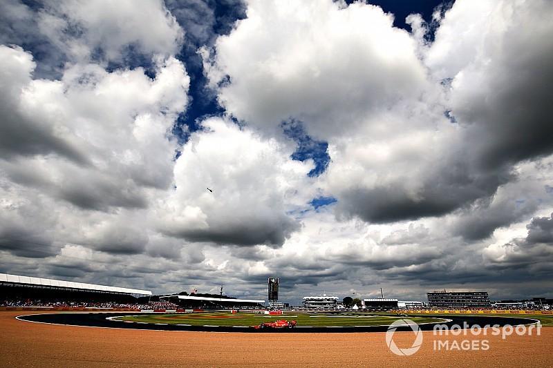 Vettelnek az eltiltás miatt már figyelni kell a büntetőpontokra is