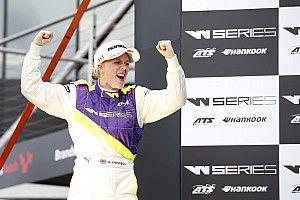 Гонщицу из W Series позвали провести этап в IMSA