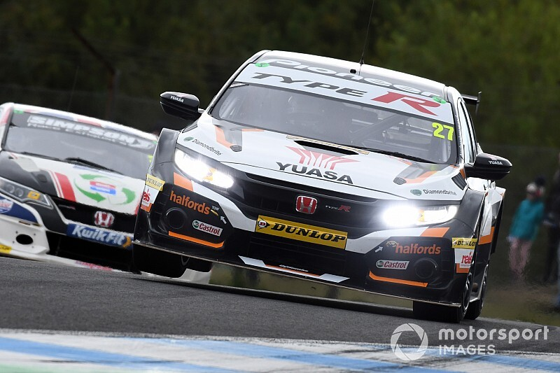 Young Aussie lands BTCC test chance