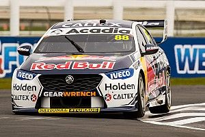 Whincup stripped of Pukekohe podium