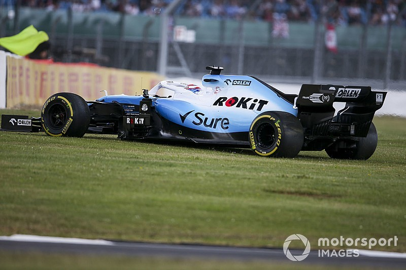 """Silverstone wind making F1 drivers """"look like idiots"""""""