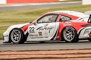 Porsche Mobil1 Supercup Silverstone: Antrenmanların lideri Ayhancan!