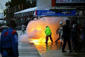 Gallery: Fire erupts in Supercars pitlane