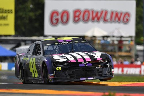 """Jimmie Johnson calls out Blaney: """"He just drove through me"""""""