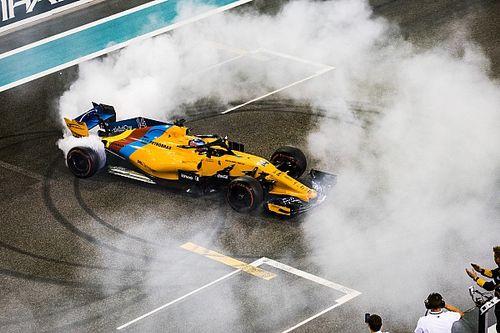 Donuts, Ehrungen und eine Bitte: So emotional war der Abschied von Alonso
