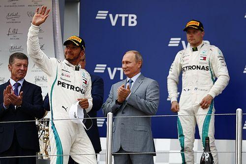 """Bottas snapt teamorder: """"Maar ik ben de winnaar, zonder trofee"""""""