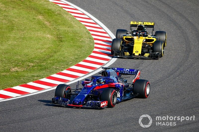 "Honda qualifying form ""worrying"" for Renault - Sainz"