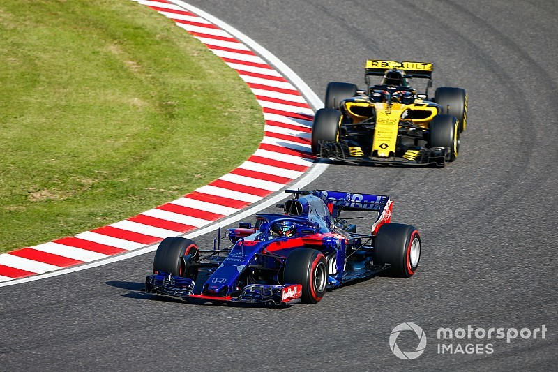 "Honda qualifying form ""worrying"" for Renault - Sainz"