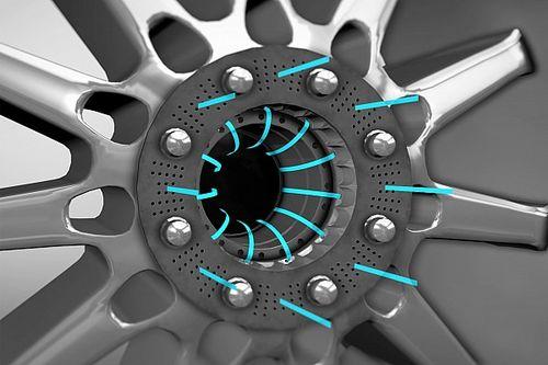 Слухи: в Mercedes продвинулись в концепции «дырявых» дисков