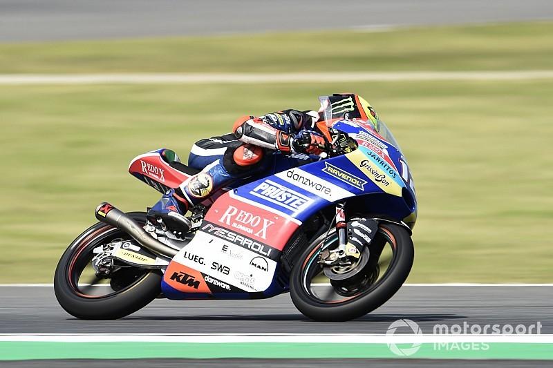 Moto3, Buriram: Bezzecchi firma la pole, Martin dolorante ad un polso