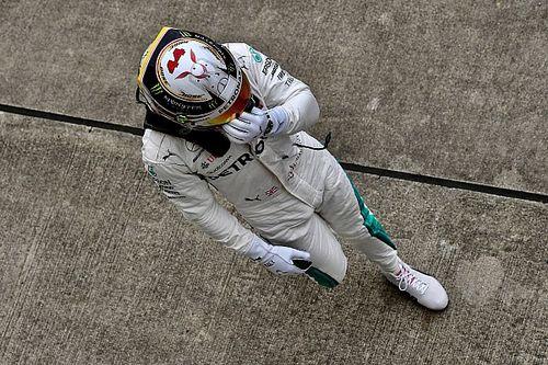 Hamilton triplázott Japánban, nagyon közel Vettel: Hülkenberg a falban