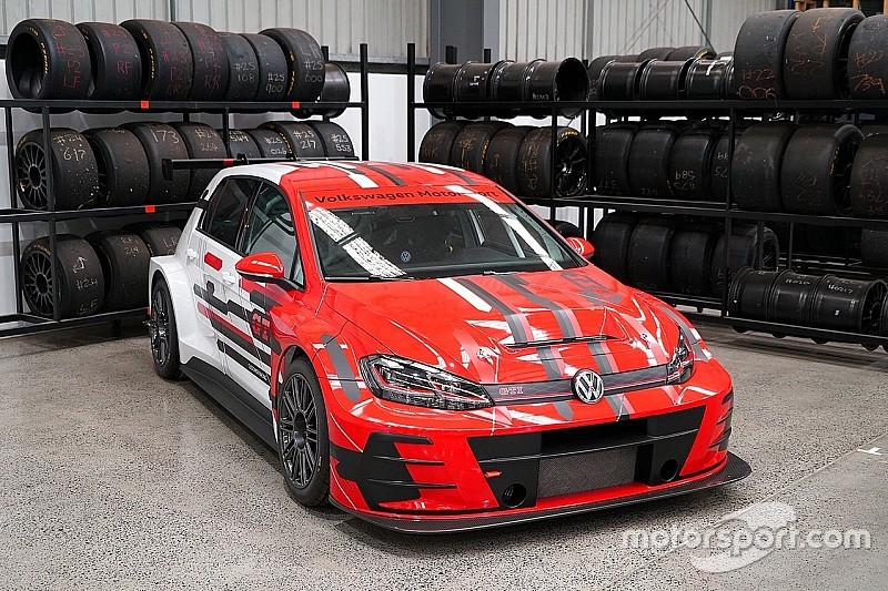 Teenager completes 17-car TCR Australia grid