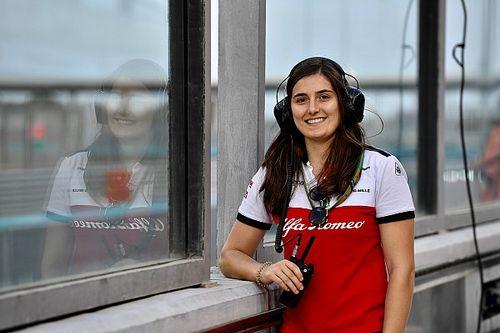 Alfa Romeo mantém Tatiana Calderón como piloto de testes