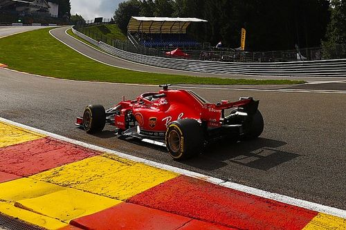 Vettel bovenaan in eerste training Spa, Verstappen tweede