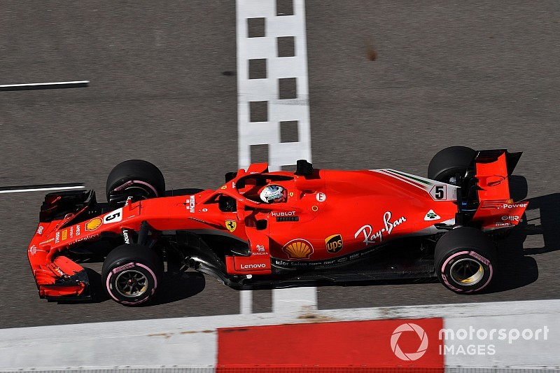 Le resurfaçage partiel de la grille ne plaît pas à Vettel