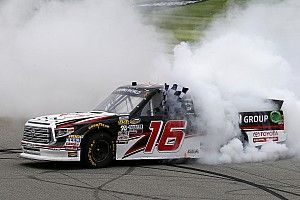 Brett Moffitt beats Sauter for Michigan Truck win in photo finish