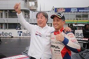 Super Formula Okayama: Sekiguchi terdepan di balapan basah