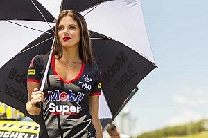 Grid girls esquentam bastidores da Stock Car no Velo Città