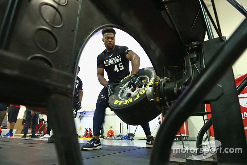 NASCAR Drive for Diversity Pit Crew Program selects new members
