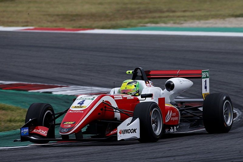 Sacha Fenestraz e Mick Schumacher sono i migliori nelle Libere del Nürburgring