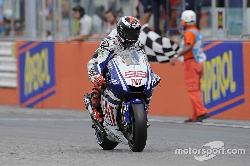 "Yamaha resurgence inevitable in ""cyclical"" MotoGP - Lorenzo"