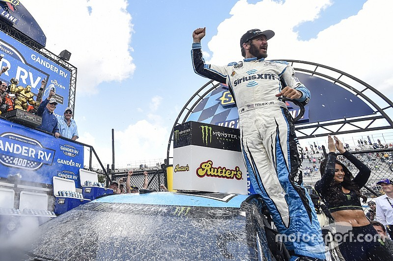 U.S. Motorsport Report: Truex dominates at Dover - video
