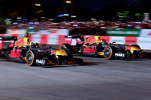VÍDEOS: Red Bull faz exibição para 50 mil pessoas no Vietnã