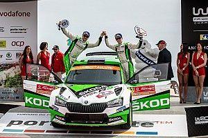 Skoda, la nuova Fabia R5 Evo fa già paura: grande doppietta al Rally del Portogallo