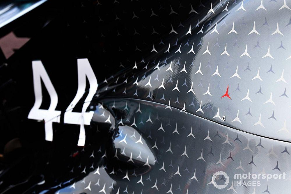 """Mercedes mantendrá """"para siempre"""" la estrella roja por Lauda"""