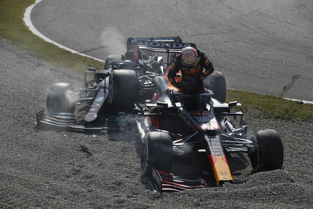 Verstappen pénalisé après l'accrochage avec Hamilton