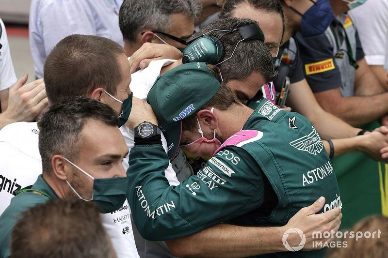 Aston Martin presenta intención de apelar la sanción de Vettel