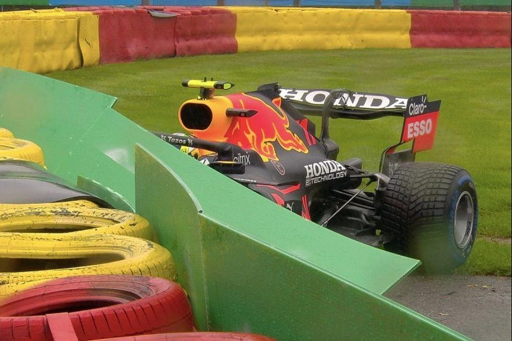 Vídeo: accidente de Checo Pérez antes de la salida en Bélgica