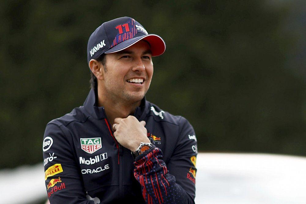 Resmi: Perez, 2022 yılında Red Bull ile yarışmaya devam edecek
