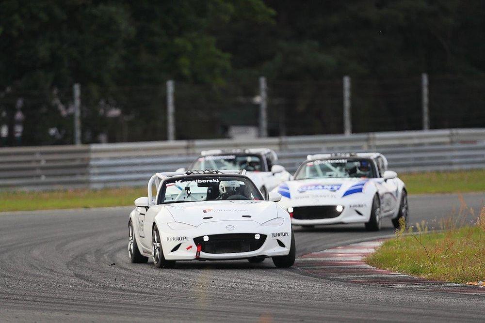 Ratajczak niepokonany w Mazda MX-5 Cup Poland