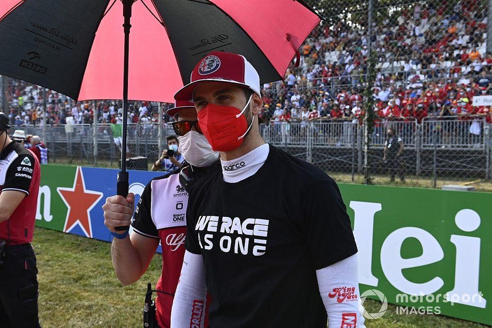 Posisi Antonio Giovinazzi di Alfa Romeo Kian Terjepit