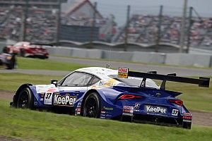 TOM'S #37 Toyota hobbled at Suzuka by contact damage
