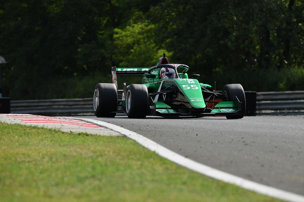 Hungary W Series: Chadwick dominates practice ahead of old rival Visser