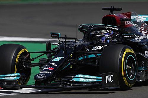 Hamilton a leggyorsabb a Brit Nagydíj időmérőjén, Russell ismét hatalmasat ment!