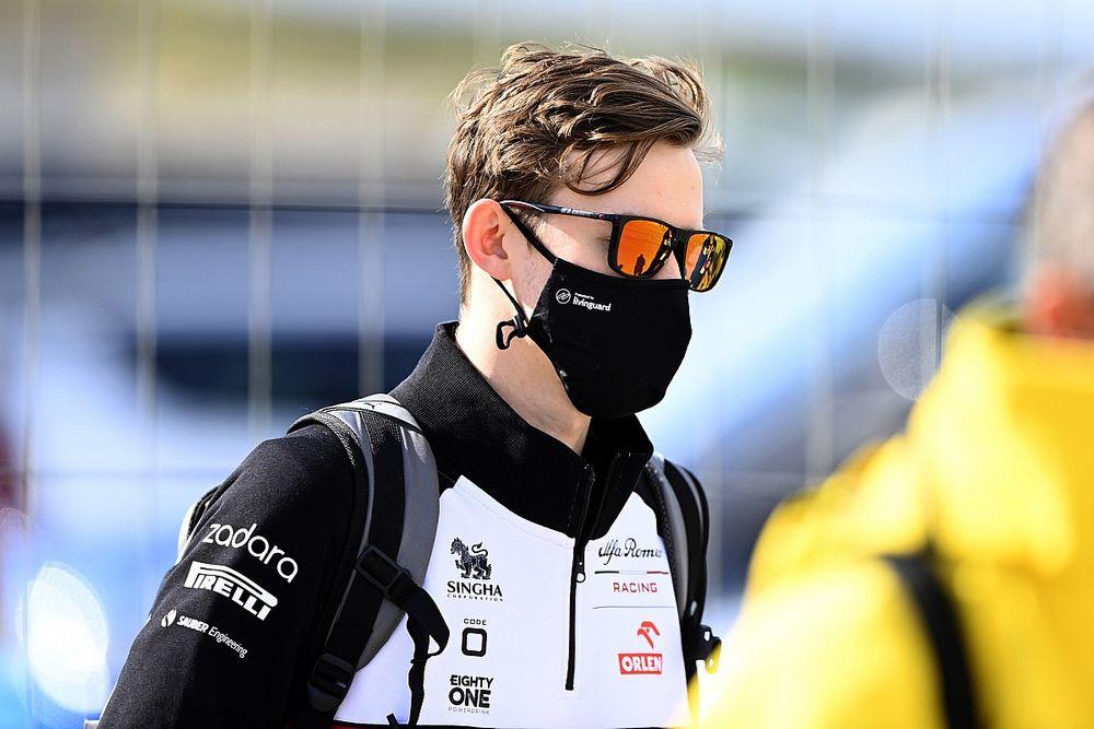 """كالوم إيلوت يشعر أنه """"في موقع جيّد جدًا"""" حال بروز فرصة الصعود إلى الفورمولا واحد"""